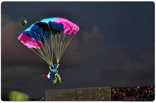12Mars-51-parachutes