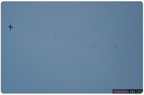 12Mars-50-parachutes