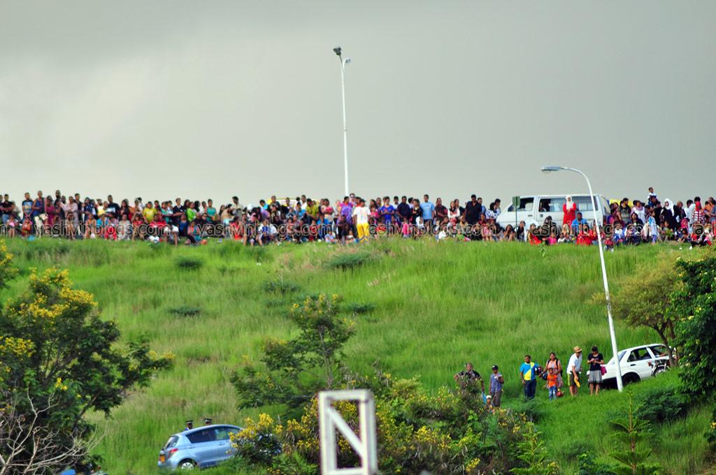 Crowds near la Citadelle too!