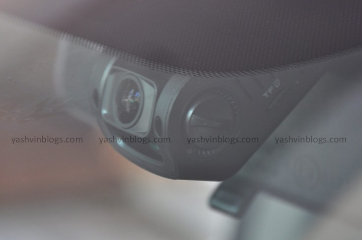 Dashcam B40 from outside
